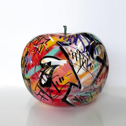 德國BULL&STEIN 塗鴉釉光蘋果戶外雕塑 (直徑75公分)