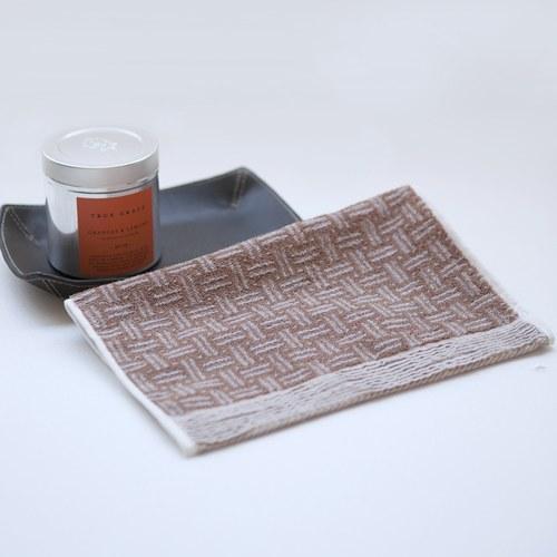 日本今治毛巾 棕色編織籃印花擦手巾 (小)