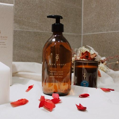 英國True Grace 伯靈頓實驗室 雪松與玫瑰手部及身體沐浴凝膠(N°92)