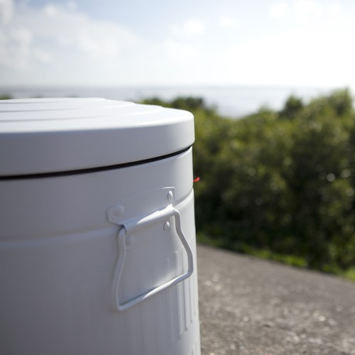 丹麥 Nordal 經典垃圾桶 (白、30公升)