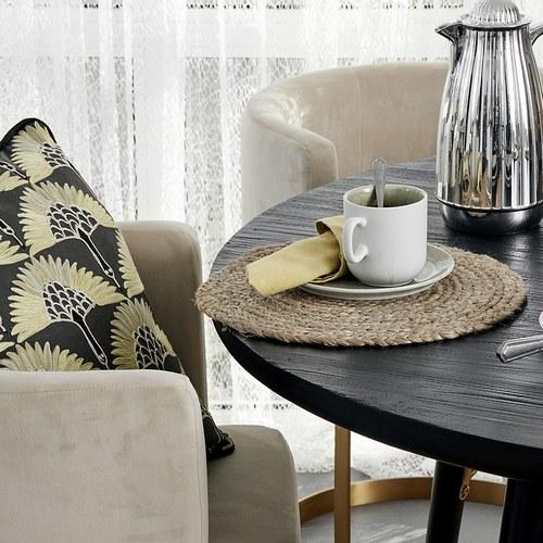 丹麥Nordal 飛鶴刺繡靠枕 (黃)