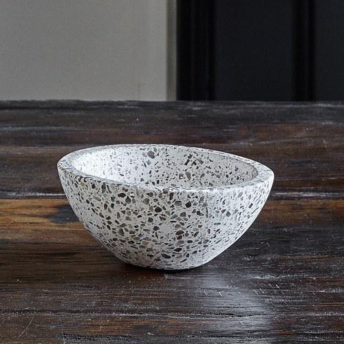 丹麥Nordal 自然風水磨石餐碗 (白、直徑 15 公分)