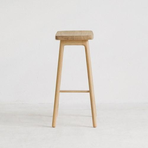 丹麥Sketch 微波浪簡約造型吧台椅(高66公分)