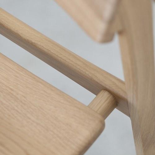 丹麥Sketch Poise典藏實木可堆疊單椅(橡木)