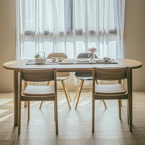 丹麥Sketch Cove橢圓型膠囊餐桌 (橡木、160公分)