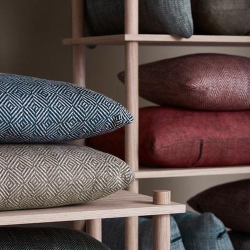 丹麥WOUD 菱格紋編織素色方形抱枕 (印地安紅)