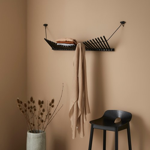 丹麥WOUD INPUT 手風琴波浪弧線壁掛置物架(黑、橡木)