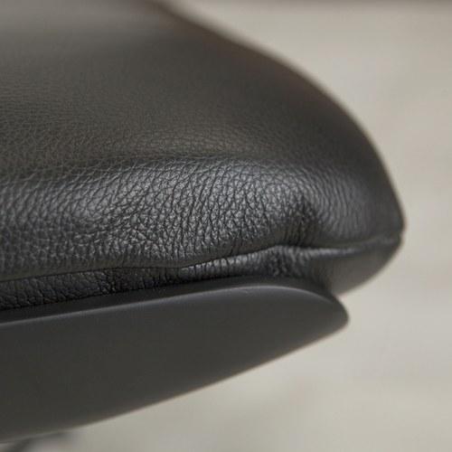 波蘭Sits 翱翔系列腳凳 (黑)