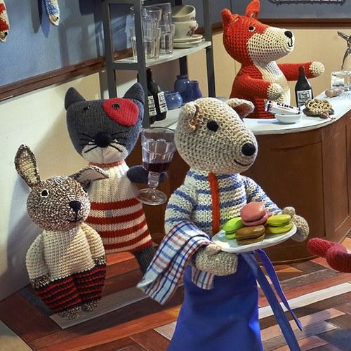 荷蘭ACP 白色毛衣邦尼兔玩偶