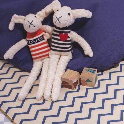 荷蘭ACP 黑白條紋蘿拉兔玩偶