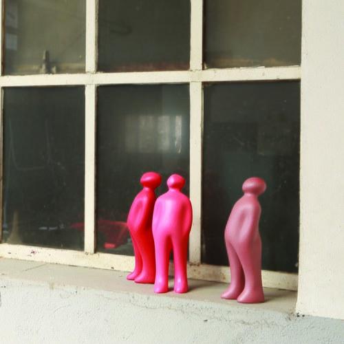 比利時Gardeco藝術擺飾 經典觀賞者 (紅木、高23公分)