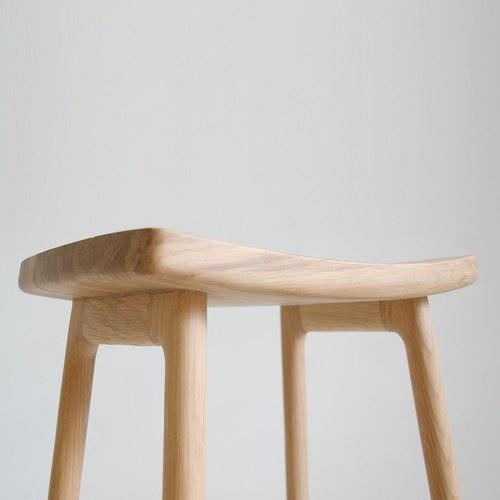 丹麥Sketch 微波浪簡約造型吧台椅 (橡木)