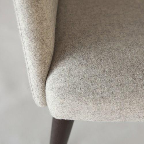 丹麥Sketch 圓弧靠背布面單椅 (石灰白)