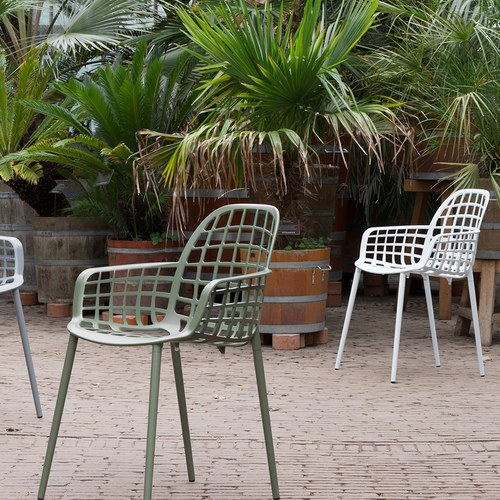 荷蘭Zuiver 艾伯特戶外花園簡約弧形扶手單椅(白)