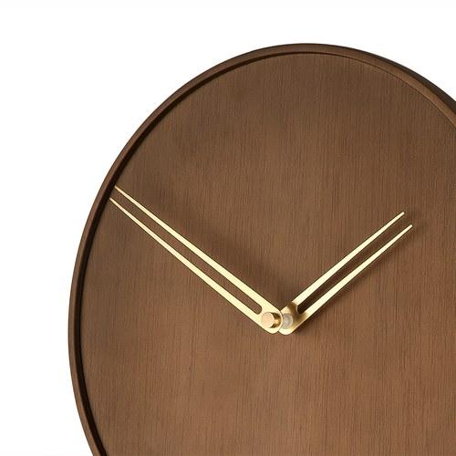 西班牙nomon Swing 鐘擺造型牆面掛鐘 (核桃木)