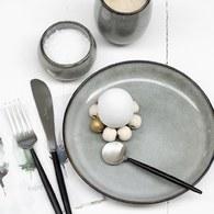 丹麥LeneBjerre 薰燒灰白餐盤 (直徑26公分)