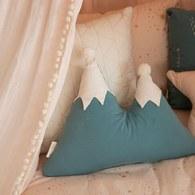 西班牙Nobodinoz有機棉下雪了喔!綠色小山靠枕
