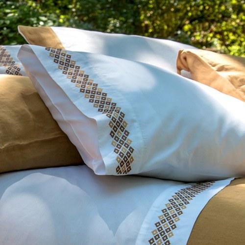 葡萄牙Amalia Especiarias雙人加大寢具組-黃素枕套(6x6.2尺)