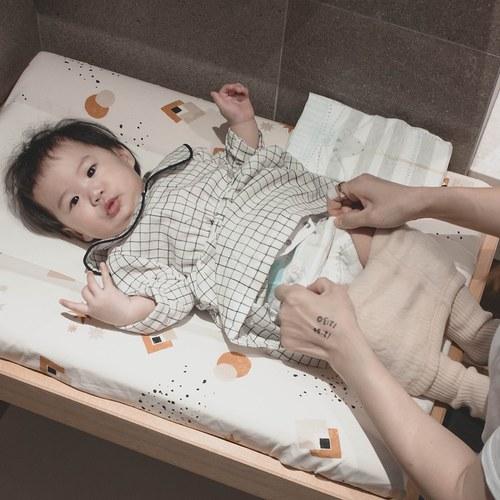 西班牙Nobodinoz有機棉 寶寶防水尿布更衣墊 (日落小太陽)
