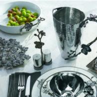美國MichaelAram工藝飾品 黑蘭花系列圓形白瓷托盤 (直徑27公分)